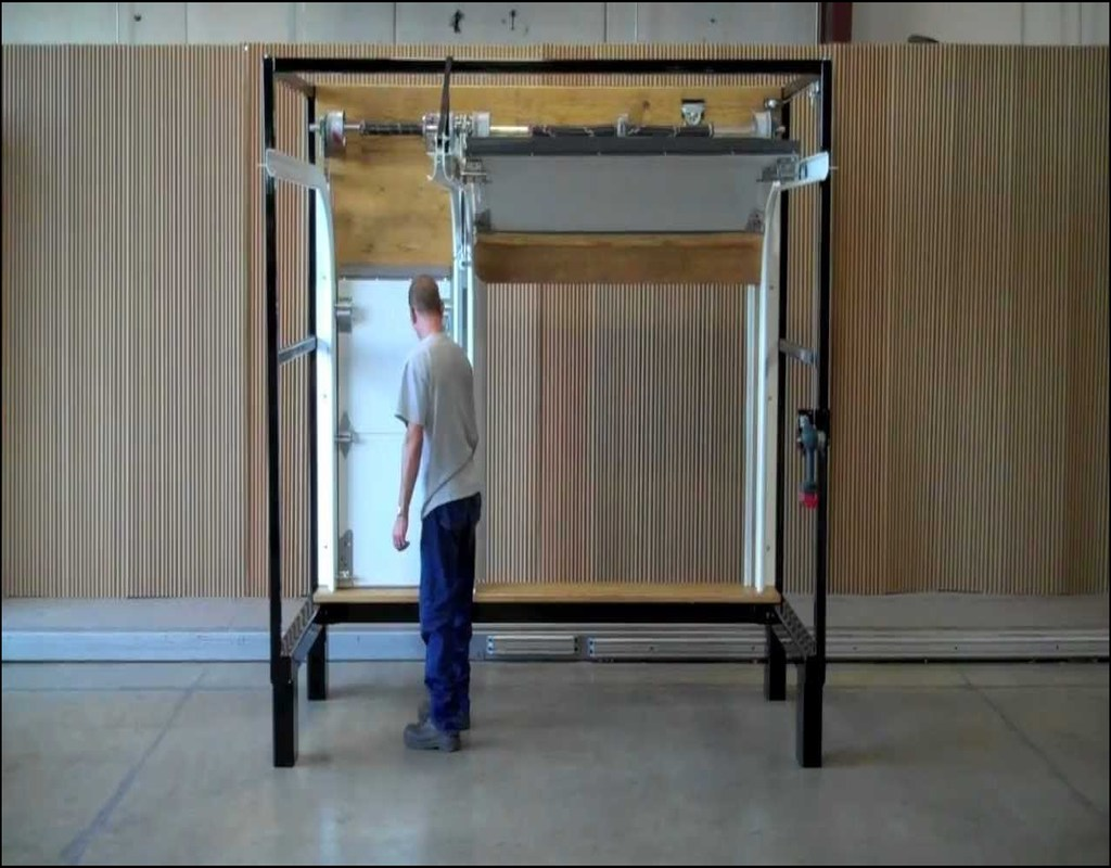 swing-up-garage-door Swing Up Garage Door